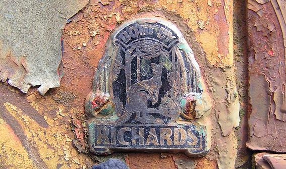 richards logo